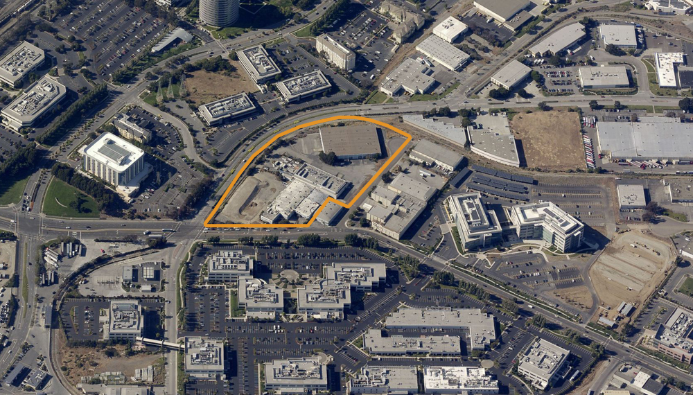 Aerial Overview of 213 E. Grand Ave:  Future site of Merck's 9-story R&D building